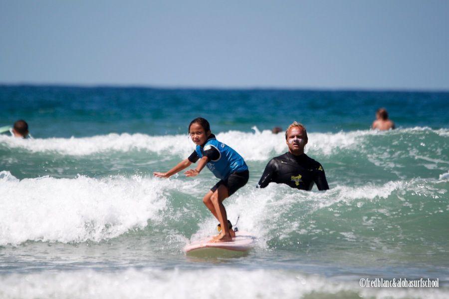 Apprendre le surf à seignosse sur la plage des bourdaines